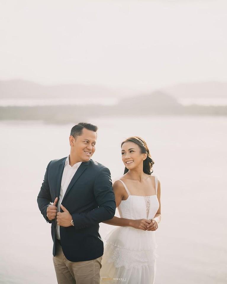 Pemotretan Prewedding Melanie Putria & Calon Suami yang Dadakan