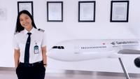 <p>Pilot cantik dan muda yang satu ini memiliki nama lengkap Tania Artawidjaya, Bunda. Ia merupakan salah satu pilot yang bekerja di maskapai penerbangan Garuda Indonesia. (Foto: Instagram @taniawidjaya)</p>