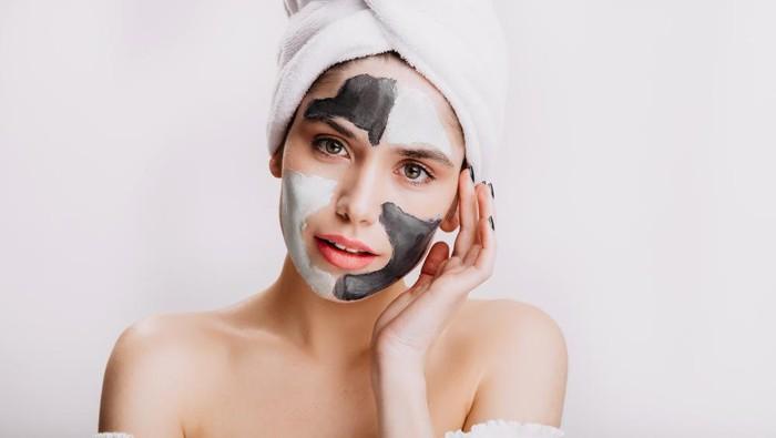 6 Kesalahan Saat Memakai Masker Wajah, Jadi Bikin Jerawatan dan Terbuang Sia-sia!