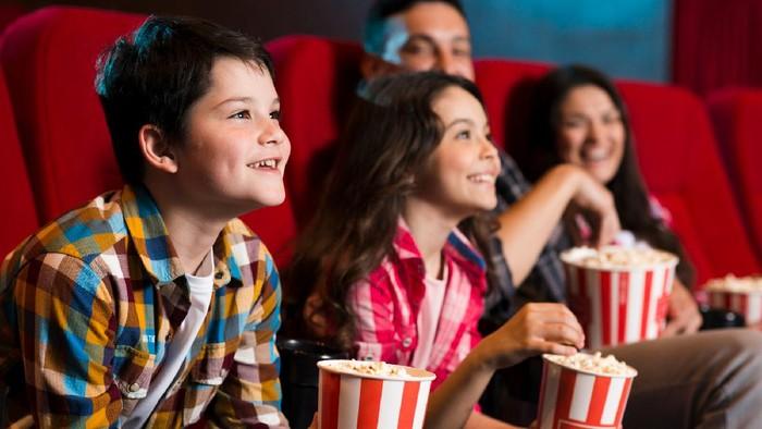 Bersiap... Mulai Besok Bioskop Kembali Beroperasi, Segenap Aturan Ini Perlu Kamu Tahu!