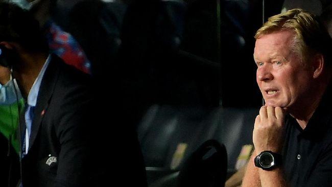 Pelatih Barcelona, Ronald Koeman, hanya membacakan pernyataan dan menolak sesi tanya jawab dengan media saat konferensi pers.