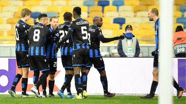 Direktur Club Brugge Vincent Mannaert melarang pemainnya meminta jersey para bintang PSG saat bentrok di Liga Champions.