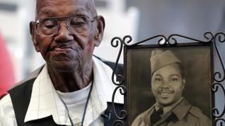 Veteran Tertua AS Gelar Pesta Ultah ke-112 di Teras Rumah