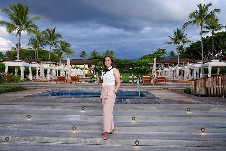 Maia Estianty dan suaminya Irwan Mussry tengah menikmati waktu liburan sambil bulan madu di Hawaii. Yuk intip potretnya!