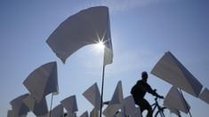 FOTO: Hamparan Bendera Putih, Simbol Duka AS Diterpa Covid-19