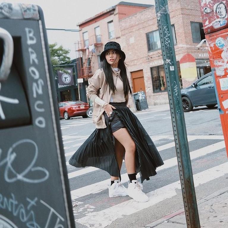 Rachel Vennya sedang berada di Amerika Serikat, gaya outfitnya pun kerap tuai pujian. Yuk kita intip penampilannya!