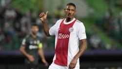 Cetak Quat-trick di Debut Liga Champions, Haller Samai Van Basten