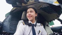 <p>Jika melihat sosok pilot wanita, ada rasa kagum tersendiri ya, Bunda. Tania Artawidjaya, wanita muda ini adalah salah satu pilot yang bekerja di maskapai pelat merah Garuda Indonesia. Ia merupakan lulusan Bali International Flight Academy. (Foto: Instagram @taniawidjaya)</p>