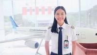 <p>Tania Widjaya juga influencer, lho. Melihat pengalamannya yang inspiratif, pilot cantik ini punya banyak followers di Instagram-nya, Bunda. (Foto: Instagram @taniawidjaya)</p>