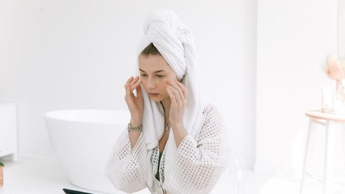 5 Jenis Skincare yang Wajib Punya Untuk Wajah Glowing dan Ternutrisi!