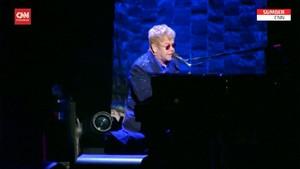VIDEO: Cedera Panggul, Elton John Tunda Tur Eropa