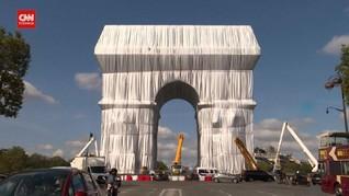 VIDEO: Arc de Triomphe di Paris Terbungkus Sempurna