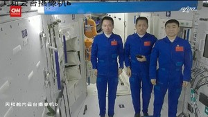 VIDEO: Kapsul Antariksa Bawa Astronaut China Pulang ke Bumi