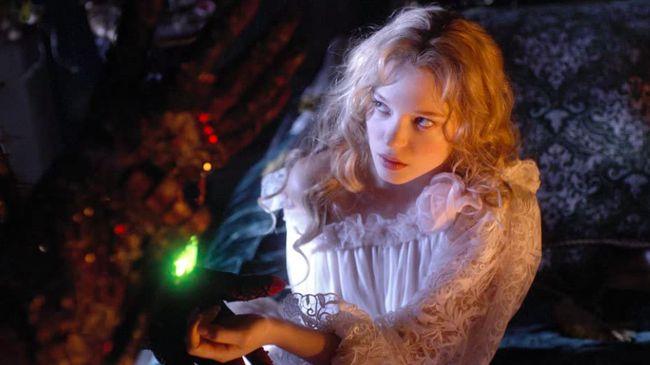 Bioskop Trans TV malam ini, Minggu (19/9), akan menayangkan film Beauty And The Beast (2014) pada pukul 19.30 WIB.