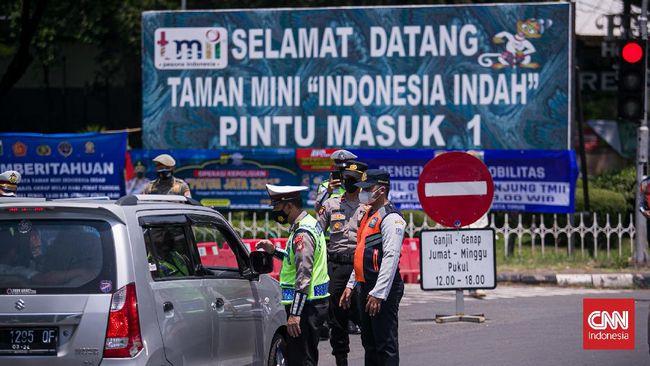 TMII terpantau masih lengang dari pengunjung di saat ganjil genap diterapkan di sepanjang jalan menuju lokasi wisata itu.