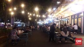 Ramai Tamu Malam Minggu di Area Publik Jakarta