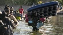 FOTO: Padat Imigran Haiti di Perbatasan AS Menanti Suaka