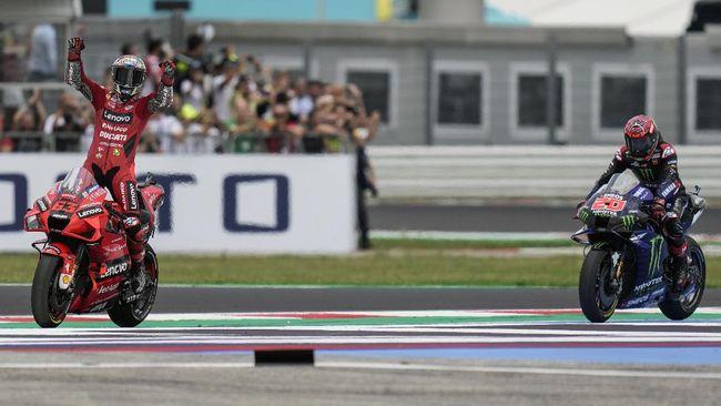 Francesco Bagnaia memangkas jarak dengan Fabio Quartararo di puncak klasemen MotoGP 2021 setelah menang MotoGP San Marino 2021.