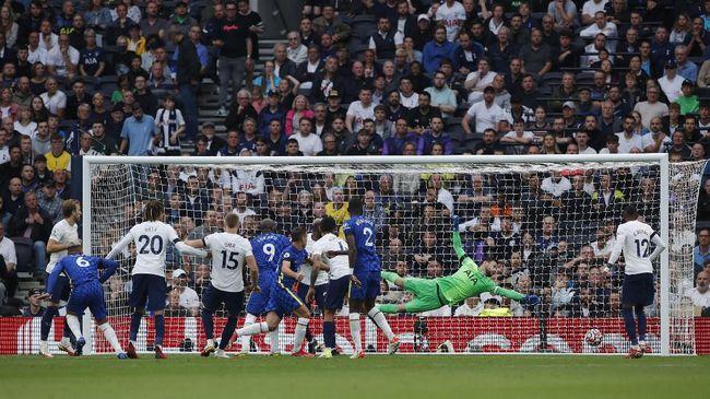 Chelsea menang 3-0 atas Tottenham Hotspur dalam derby London yang merupakan bagian lanjutan Liga Inggris di Stadion Tottenham Hotspur, Minggu (19/9) malam