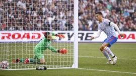 Top 3 Sports: Momen Ronaldo Hattrick, Egy Lawan Pemain Euro