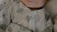 <p>Sempat terlahir secara prematur, putra pertama Audi Marissa dan Anthony Xie itu tumbuh menjadi bayi yang sehat. Baby Anzel sangat murah senyum dan menggemaskan, Bunda. (Foto: Instagram @audimarissa)</p>