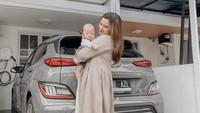<p>Audi Marissa sangat menikmati perannya sebagai Bunda usai dikaruniai putra pertama. Ia selalu membagikan kebahagiaan itu lewat Instagram. (Foto: Instagram @audimarissa)</p>