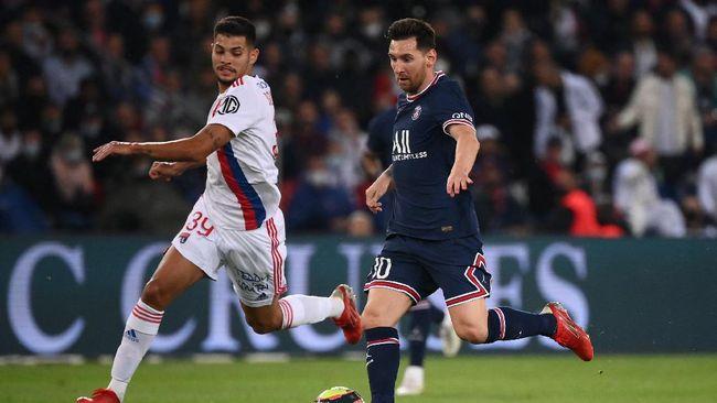 Paris Saint-Germain (PSG) meraih kemenangan atas Olympique Lyon dengan skor 2-1 dalam lanjutan liga Prancis 2021/2022.