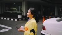 <p>Di kehidupan sehari-harinya, Siti Adira Kania juga aktif di berbagai kegiatan kemahasiswaan lho. Enggak heran kalau ia dinobatkan sebagai lulusan terbaik. Selamat ya, Adira! (Foto: Instagram @adirakania)</p>