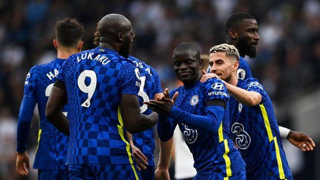 Chelsea bisa berbangga diri bila mampu mempertahankan posisi puncak klasemen Liga Inggris usai duel lawan Manchester City, Sabtu (25/9).