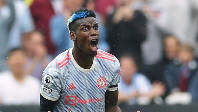Gelandang Manchester United Paul Pogba terpaksa diseret masuk ruang ganti untuk menghindari konfrontasi dengan fan West Ham United.