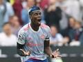 Tantang Fan West Ham, Pogba Diseret ke Ruang Ganti