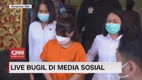 VIDEO: Pelaku Live Bugil di Media Sosial Ditangkap