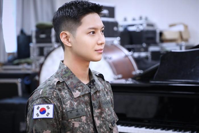 Alasan Taemin mendaftar di bagian band militer adalah karena ia sangat menikmati musik, dan sudah 13 tahun berkarier sebagai penyanyi. Ia merasa posisi tersebut sesuai dengan dirinya./Foto: instagram.com/mma_go_kr
