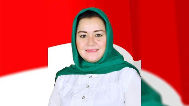 KPK menjerat Bupati Kolaka Timur, Andi Merya Nur sebagai tersangka korupsi proyek dana hibah BNPB. Andi Merya baru tiga bulan menjabat sebagai bupati.