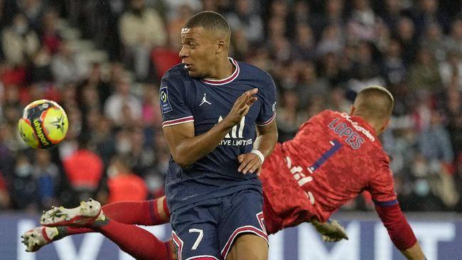 Kylian Mbappe menjadi masalah baru pelatih Mauricio Pochettino di Paris Saint-Germain (PSG) setelah kedatangan Lionel Messi pada musim ini.