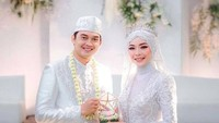 <p>Pemeran Rendy 'Ikatan Cinta' ini menikah dengan Novia Giana pada Maret 2021 lalu. Mereka melangsungkan akad nikah di Lembang, Bandung. (Foto: Instagram @ikbalfauzi_)</p>