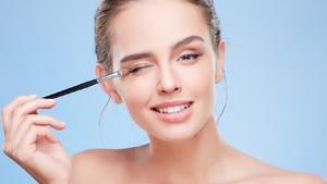 5 Manfaat Mengejutkan Makeup untuk Kesehatan Mental