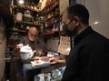 FOTO: Pesona Kedai Teh Terkecil dan Tertua di Teheran