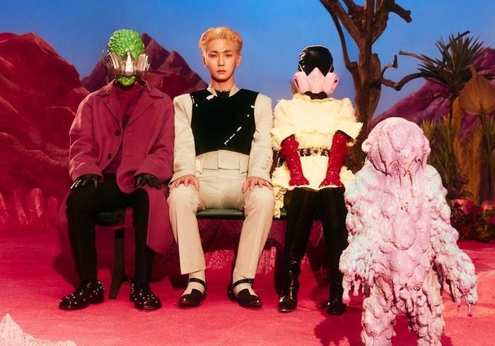 Meskipun ini merupakan mini-album pertama, sebelumnya pada tahun 2018 lalu, Key sudah melangsungkan debut solo dengan full albumberjudul FACE dan repackage albumbertajukI Wanna Be, Beauties./Foto: twitter.com/SHINee