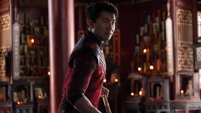 Review Shang-Chi menilai film ini adalah sajian paling tepat dari Marvel dalam menghadirkan kisah superhero berlatar Asia.