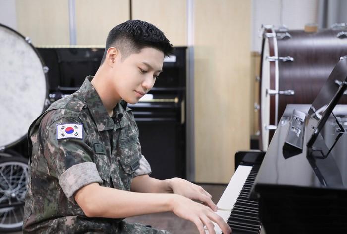 Taemin juga mengaku mendapatkan banyak keuntungan bisa bergabung dalam band militer. Menurutnya, setiap anggota band militer selain dapat mengembangkan potensi, mereka juga dapat memperluas wawasan tentang musik./Foto: instagram.com/mma_go_kr