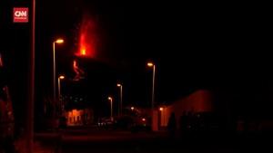 VIDEO: Melihat dari Dekat Semburan Lava Gunung Api di Spanyol