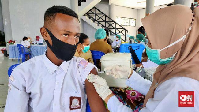 Salah satu tantangan pemerintah dan pihak sekolah di Papua Barat adalah masih banyaknya penolakan vaksinasi Covid dari siswa OAP.
