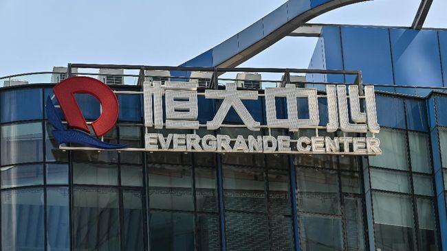 Menkeu Sri Mulyani menaruh perhatian pada risiko gagal bayar Evergrande yang berpengaruh pada stabilitas sektor keuangan China dan global.