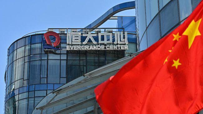 Risiko gagal bayar utang raksasa properti China Evergrande menjadi perhatian selama beberapa waktu terakhir karena berpotensi mempengaruhi stabilitas keuangan.