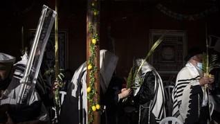 FOTO: Khidmat Umat Yahudi saat Perayaan Hari Sukkot