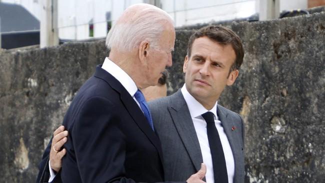 Biden-Macron Bahas Penguatan Pertahanan Eropa Lewat Telepon