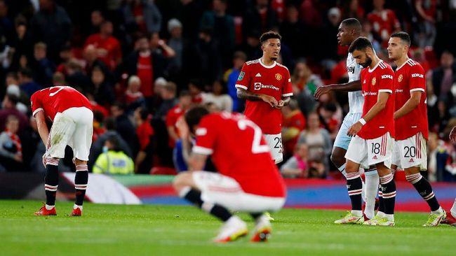 Setelah kalah dari West Ham United dan Aston Villa, Manchester United terancam menelan tiga kekalahan beruntun saat tampil di Liga Champions melawan Villarreal.