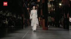 VIDEO: Ekplorasi Gaya '70-an Fendi di Milan Fashion Week