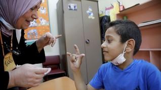 FOTO: Perjuangan Anak Palestina yang Tuli Demi Pendidikan